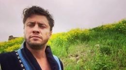 Павла Прилучного сдетьми заметили вкомпании Мирославы Карпович— фото