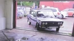 Вот это сюрприз! Активисты подарили пенсионерам, лишившимся авто, нового «железного коня»