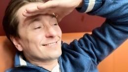 «Усына папины щечки!»— Сергей Безруков показал редкое фото сподросшими детьми