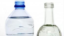 Стекло или пластик: какую минеральную воду пить полезнее?