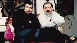 «Сднем рождения, папочка»: Денис Клявер выложил трогательное фото сИльей Олейниковым