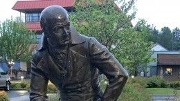 Американцы собирают подписи взащиту памятника русского «короля Аляски»