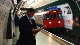 Бэнкси расписал вагоны лондонского метро граффити натему коронавируса