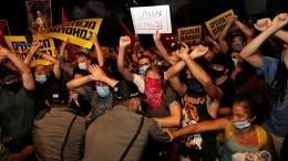 «Пора брать Бастилию!»— акции протеста вИзраиле прошли снеобычным лозунгом