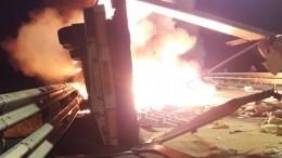 Видео: Пламя охватило фуру после жесткого ДТП под Великим Новгородом