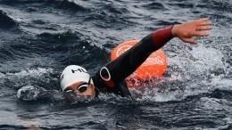 Видео: Пловцы-экстремалы впервые проплывут 160 километров позаливу воВладивостоке