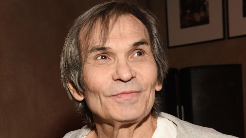 Попавшего впсихиатрическую клинику Бари Алибасова могут увезти изМосквы