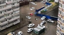 Ливень превратил вбурлящие реки улицы Ростова-на-Дону
