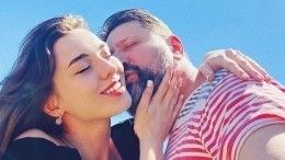 Сыгравший Гену Букина актер женится надевушке, младше его дочери напять лет
