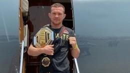 Чемпиона UFC Петра Яна отстранили отбоев