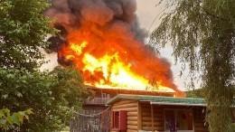 Пожар уничтожил гостиницу набазе отдыха вПриморском крае