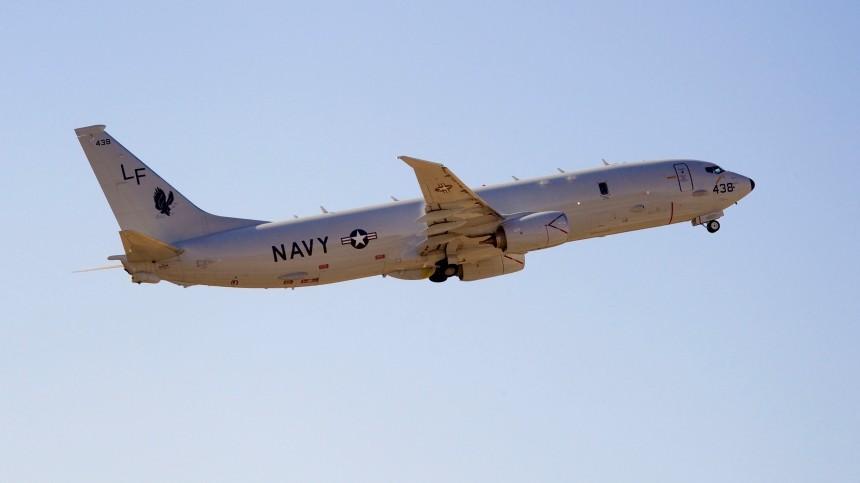 Американский самолет-разведчик выполнил полет вблизи российских баз вСирии