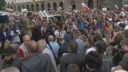 Жители Болгарии десятый день протестуют против коррупционного правительства