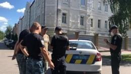 Стало известно имя захватившего полицейского взаложники вПолтаве