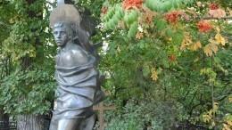 «Верните старый»— соцсети внедоумении отобновленного памятника Высоцкому