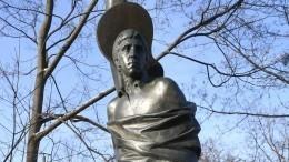 «Сделал как должно быть»: скульптор объяснил изменения памятника Высоцкому