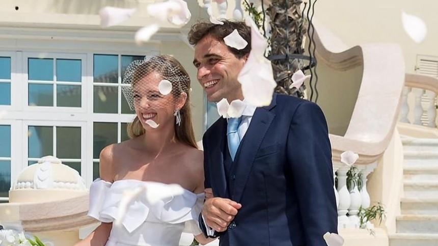 Свадьба спринцессой: бывший гонщик «Формулы 1» женился нааристократке