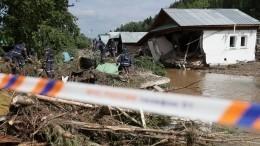 Добровольцы ВСКС ликвидируют последствия паводка вСвердловской области