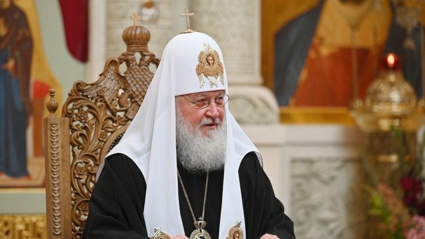 Патриарх Кирилл призвал игуменью Феофанию продать Mercedes за10 миллионов рублей