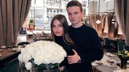Видео: младший сын певицы Валерии сделал предложение своей девушке