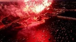 Прямая трансляция праздничного салюта вчесть Дня ВМФ изСанкт-Петербурга