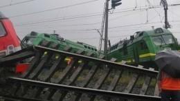 Специалисты оценили вероятность экологической угрозы после столкновения поездов вПетербурге