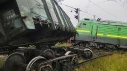 ВПетербурге всю ночь восстанавливали пути после лобового столкновения поездов