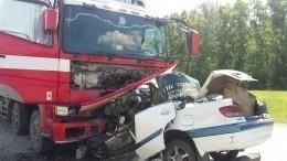 «Наверху принимают круглосуточно»: Трое погибших вДТП сгрузовиком наАлтае