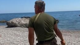 ВКрыму уволили охранника, который плетью выгнал семью сребенком спляжа