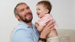 «Вот что значит гены!»— Годовалый сын Овечкина забил восемь шайб подряд