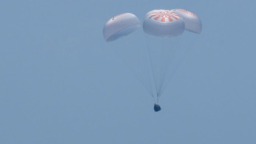 Астронавты НАСА несразу смогли покинуть капсулу корабля Crew Dragon— видео