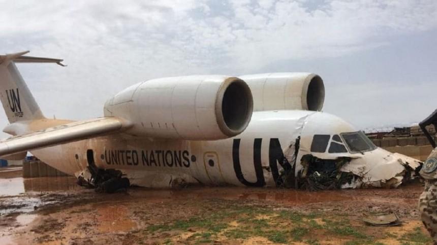 Самолет ООН совершил жесткую посадку вМали