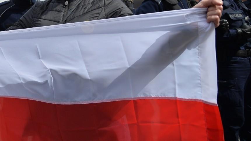 МИД РФнаправил ноту протеста Польше из-за осквернения памятника Рокоссовскому
