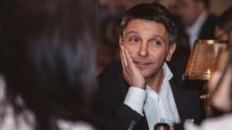 Леонид Барац продемонстрировал оголенный торс ипризнался в«сомнительной ориентации»
