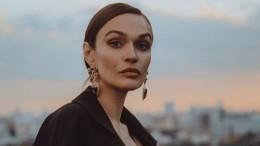 Алена Водонаева позирует впрозрачном платье наголое тело— фото