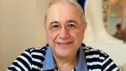 «Растяжечка, понимаете!»— 74-летний Петросян похвалился полушпагатом