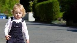 Одинокого малыша обнаружили прохожие вМоскве