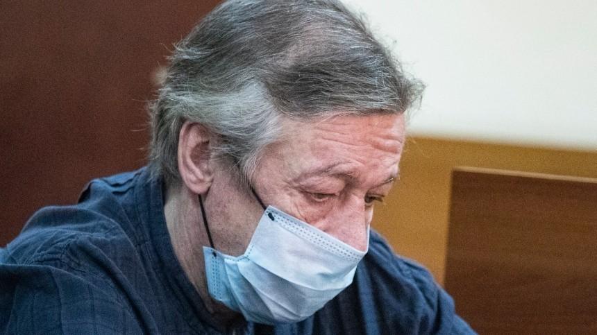 Адвокат Ефремова довел дослез подругу Сергея Захарова