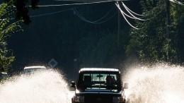 Непогода вРоссии: ливни затопили дороги, асильный ветер снес остановки
