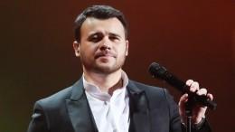 Недавно переживший развод певец Эмин задумался омужской верности