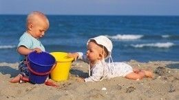 Меланома— расплата зазагар: Комаровский рассказал обопасности солнца для детей