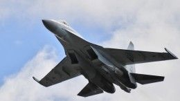 Три российских Су-35 сопроводили бомбардировщик США над Охотским морем