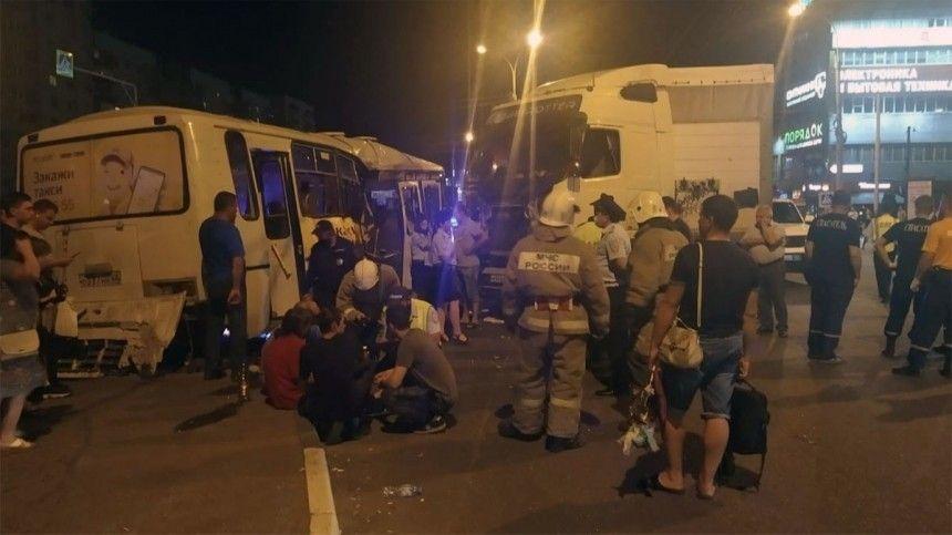 Скончалась пассажирка автобуса, попавшего вДТП вТамбове— видео