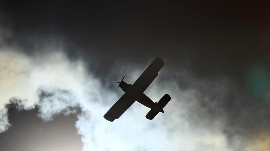 Самолет Ан-2 аварийно сел надорогу вЯкутии