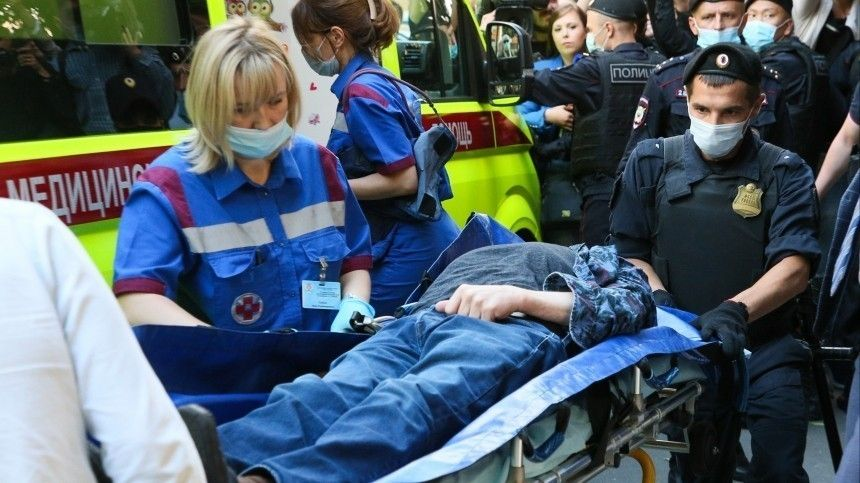 Михаил Ефремов наночь останется вбольнице после потери сознания