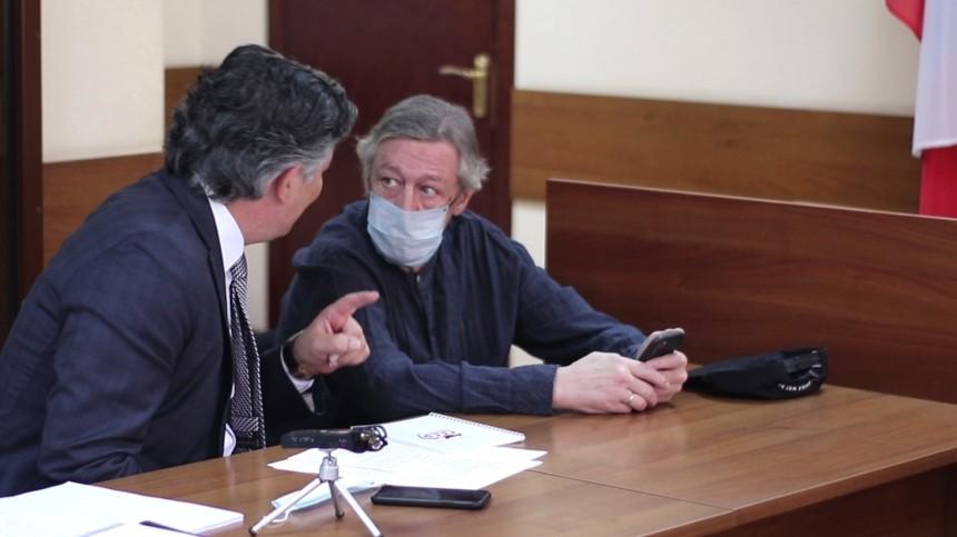 «Все экспертизы нам отказали»: Адвокат Ефремова заявил, что обратится кПутину