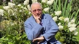 «Вполную силу!»: Петросян занялся армрестлингом, нопрокололся надопинге