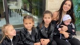 «Такими черными мыеще никогда небыли»: Самойлова показала загоревших детей