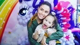 Четырехлетняя дочь Муцениеце иПрилучного зачитала рэп— видео