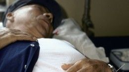 Пенсионер потерял сознание после того, как нанего выпрыгнул изокна кот— видео